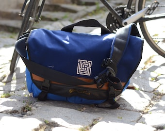 CUSTOM made Bicycle MESSENGER BAG, waterproof, Cordura, traveling, commuting, motorcycle, courier bag, day pack, gift for him, laptop bag