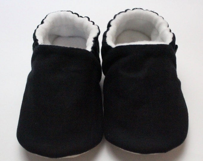 Black cotton baby moccs unisex