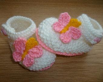 butterfly baby booties, crocheted baby booties, baby booties, handmade baby booties, knitted baby booties