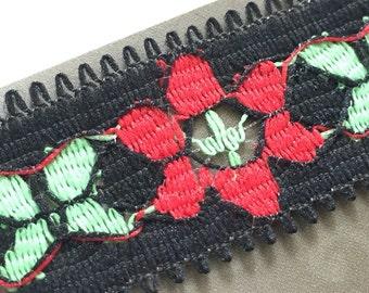 Vintage trim - 50cm - black red green