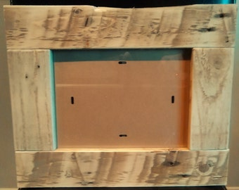 Reclaimed pallet wood photo frame