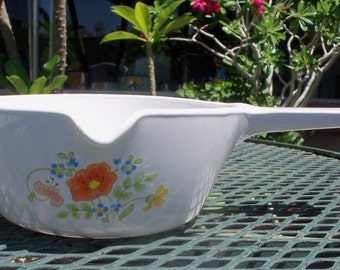 Corning Ware Wildflower P-89-B 2 1/2 Cup Saucepan with Spout