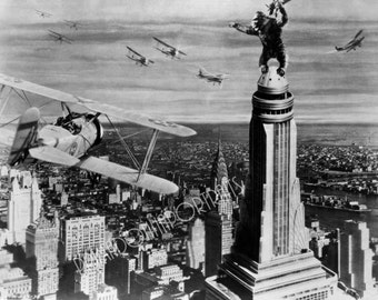 KING KONG 5x7 or 8x10 Photo Print Hollywood 1933 Famous Empire State Building Scene, Vintage Golden Age of Hollywood Portrait