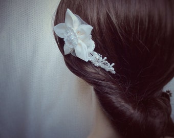 Bridal hair comb in ivory, wedding flower hair comb,  bridesmaids hair comb (Shades) by Blue Lily Magnolia UK