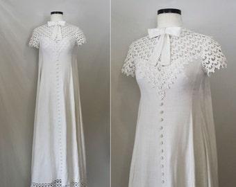 1960s Wedding Dress / Vintage 60s wedding dress / Crochet Lace & Linen Wedding Dress / sack back / watteau back / linen wedding dress small