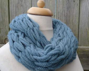 Merino Snood: sea green