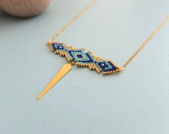 Collier au style oreintal, tissé à l'aiguille,  perles de verre japonaises Miyuki, apprêts dorés à l'or fin 24 carats