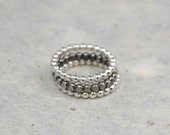 Stacking bubble/dot ring set.