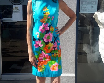 Screenprinted cotton dress in aqua with bright flowers FREE SHIPPING vintage1960 from RCMooreVintage