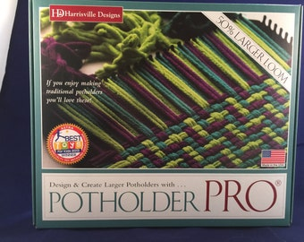 """Harrisville Designs Potholder PRO Loom, 10.25"""" loom, makes 9"""" potholders, Strong Metal, Weaving loom, Educational Toy, Traditional Learning"""