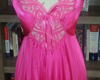 Gorgeous vintage deep pink nightgown with huge sweep.