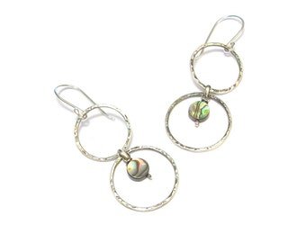 Ethnic silver hammered - Abalone earrings