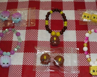 Shopkins beaded bracelet & earrings set