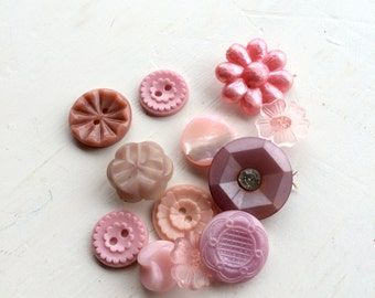Vintage pink buttons 1950s pretty flower buttons