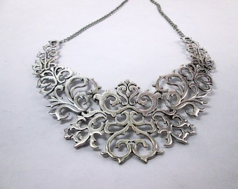 Black or Silver Metal Lace Bib Statement Necklace Art Deco Necklace Bib Collar Summer Fashion Necklace Wedding Jewelry Bridal Bib Necklace