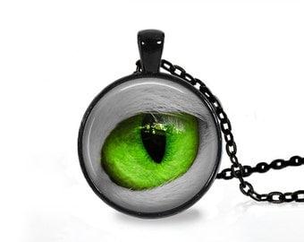 Anatomy medical jewelry Cat pendant Green Eye necklace