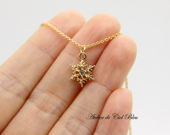 Snowflake Necklace, Gold Snowflake Charm Necklace, Tiny Snowflake Necklace, Gold Snowflake Pendant Necklace, Snowflake Jewelry