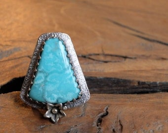 Handcrafted unique 925 sterling and fine silver ring with genuine turquoise and flower detail/blue gem stone statement ring size 7 wide band