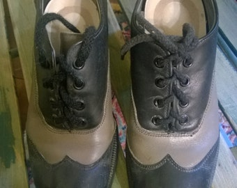 vintage black and grey leather wing tip shoes size US mens 5 or US womens 7