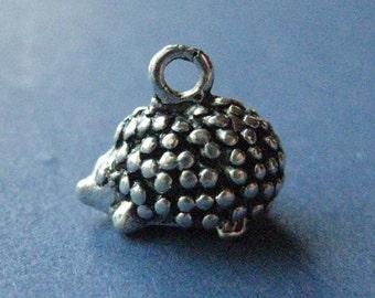 10 Hedgehog Charms - Hedgehog Pendant - Animal Charm - Animal Pendant - Porcupine - Antique Silver - 14mm x 12mm -- (No.123-10493)