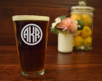 Monogram Pint Glass, Engraved Beer Mug Initials, Circle Monogram, Engraved Pint Glass, Custom Pint Glass, Personalized Pint Glass