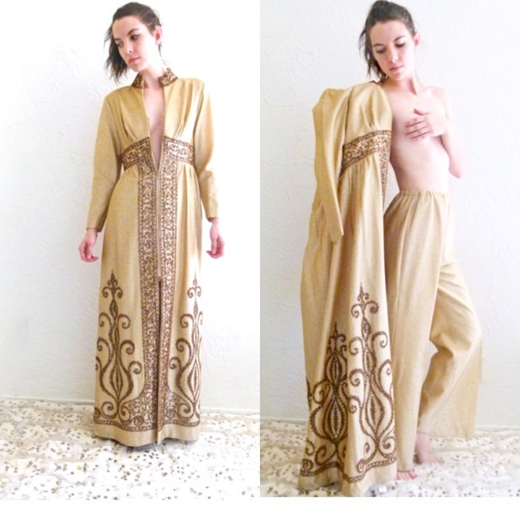Cleopatras 1960s House Coat- Two Piece - Intricate details