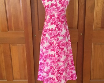 Handmade Vintage Pink Floral Dress from the 1970's, Vintage Pink Dress, Pink Daisy Shift Dress
