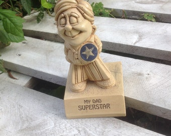 MY DAD SUPERSTAR. !!!!  CUte desk display