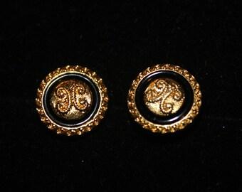 "5/8"" Button earrings, button earrings, button stud earrings, flat back,  Black/Gold"