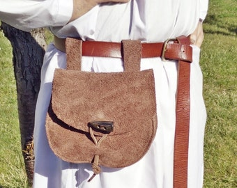 VIKING Belt bag, handmade by rough leather with real horn button. For Reenactment , fantasy costumes, LARP and Vikings cosplay.