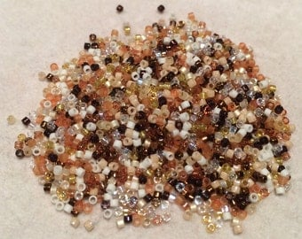Miyuki Delica Beads, 15/o, Honey Butter, DB-MIX22, 5 Grams, Japanese Glass