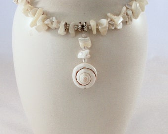 Mother of Pearl and Spiral Shell Memory Wire Necklace