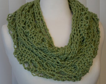 100% Organic Yarn Knitted Scarf, Hand Knitted Infinity Scarf, Pistachio/Green Knit Scarf