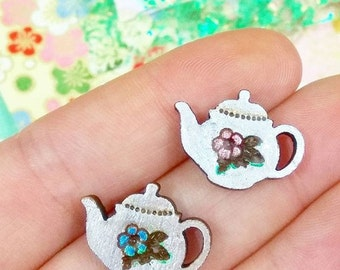 teeny tiny teapot for your lapel // sweet pin brooch