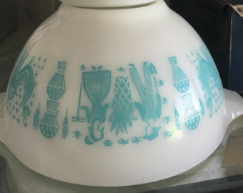 Pyrex 441 Amish Butterprint in Turquoise