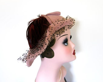 Vintage Mauve Pink Hat w/Feathers/Netting~ Circa 1950's