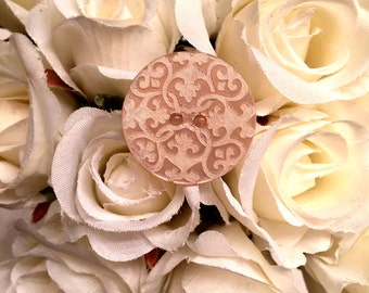 Cream Filigree Button Ring