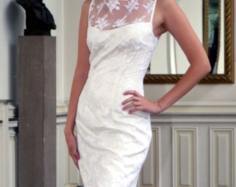 Short wedding dress made of silk and lace