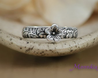 Size 7 - Flower and Leaf Band with Cherry Blossom in Sterling - Silver Flower Ring with Floral Band - Bloom Ring - Ready to Ship