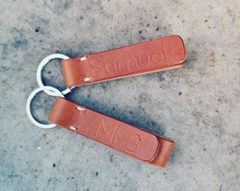 Personalized Leather Keychain, Anniversary Gift, Couple Gift, Gift for Dad, Mom, Teacher, Sister, Brother, Family, Birthday, Bridesmaid