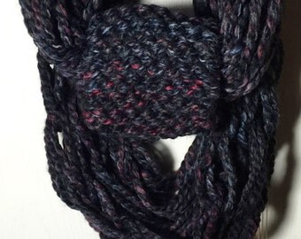 Black & Red Hand-Knit Infinity Scarf with Band - M
