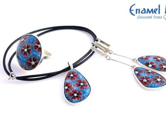 Poppies on Ice. Cloisonné enamel pendant, ring and earrings set. Sterling silver.