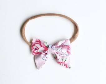 "Baby headband with bow * large hair bow ""Louisa"" Floral Rosa"