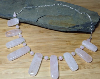 Rose quartz slabs with peridot and 925 silver necklace