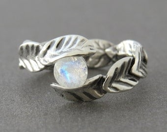 Moonstone ring, silver leaf ring with moonstone, leaf engagement ring, silver ring with leaves and natural moonstone gemstone, unique ring.