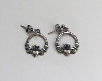 Elegant Stylish Vintage 925 Sterling Silver Claddagh Studded Earrings