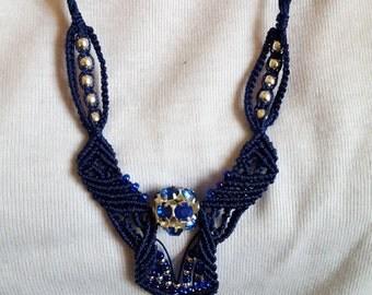 Blue necklace macrame CL08
