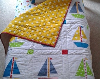Quilt and cushion set