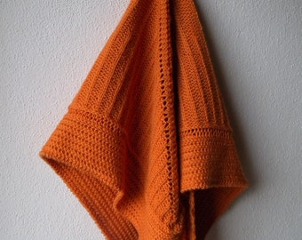Soft and warm knitted shawl, pure merino wool, triangle shape, orange brown, comfy wrap, brioche pattern, hand knit, prayer shawl, very soft