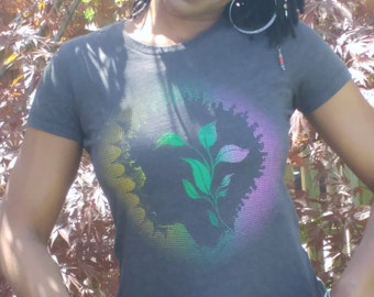 plant/natural inspired tee